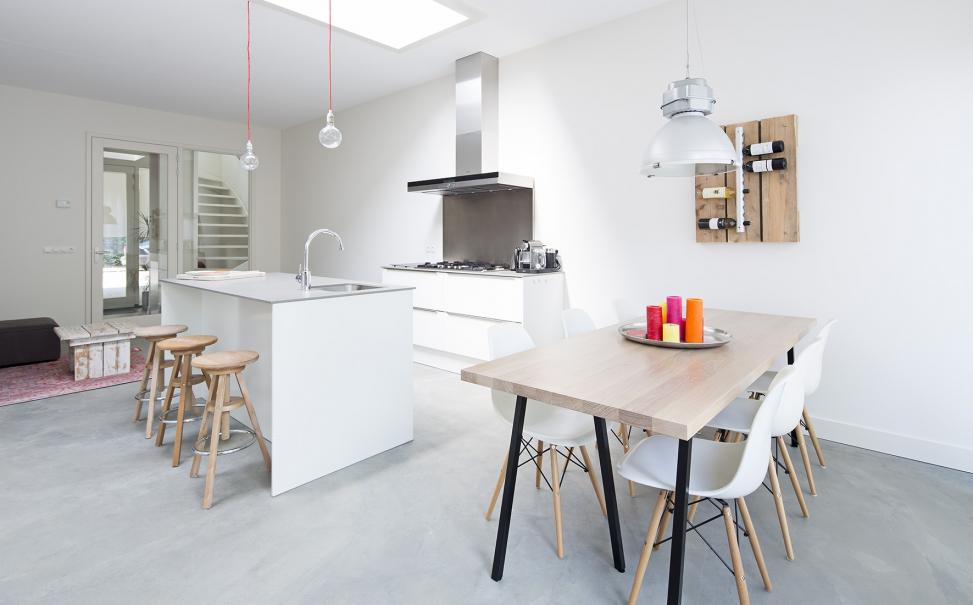 3 drive in woningen - Keuken met kookeiland table ...