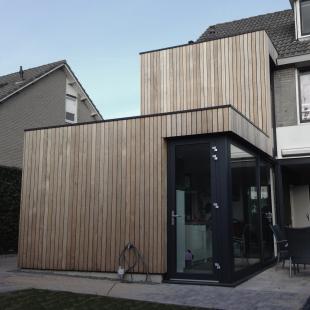 nieuwe zinken uitbouw bestaande hoek woning